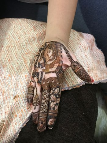 Stunning intricate shot of bridal mehendi