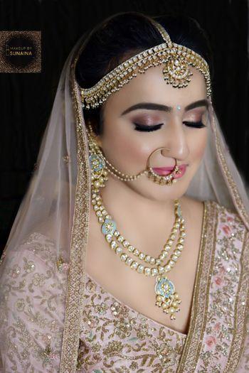 A bride in nude makeup