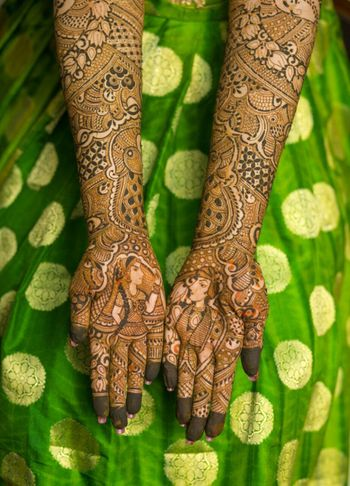 Bridal mehendi design on hand
