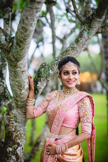 South Indian bride with minimal jewellery and modern look