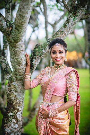South Indian bride with minimal jewellery and modern bridal look