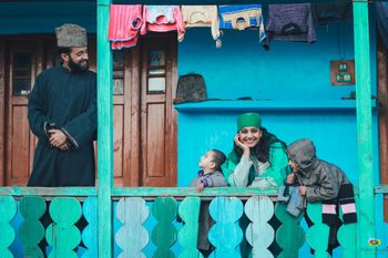 Kashmir pre wedding photo shoot