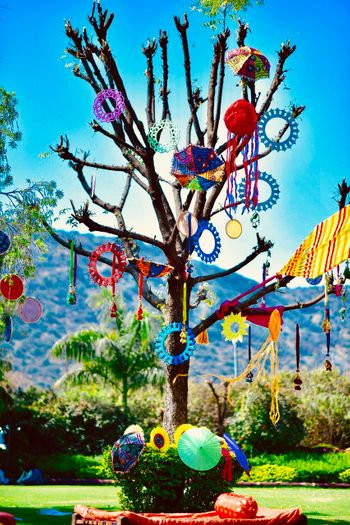 Unique tree decoration idea for mehendi