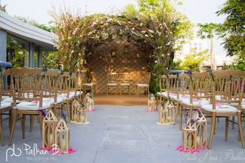 Stunning floral decor for wedding