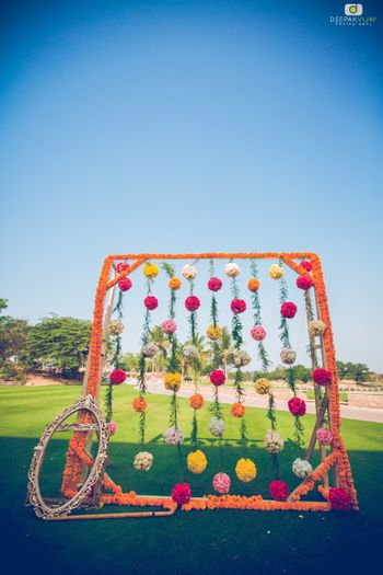 Floral photobooth with strings