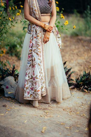 Light bridal lehenga for mehendi