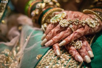 Bridal hands with haathphool