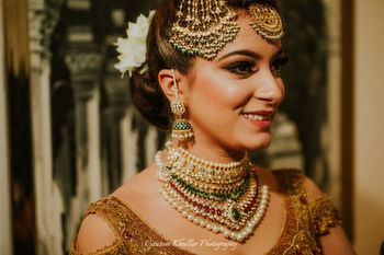 Bridal jewellery with necklace and jhoomer