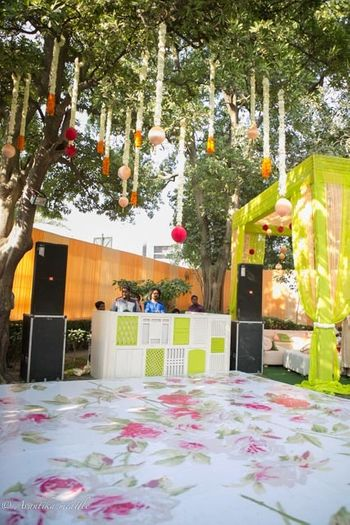 Tree decor and printed floor for mehendi