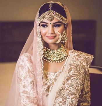 Photo of Bridal jewellery with pretty jewellery