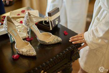 Close toe bridal heels in silver