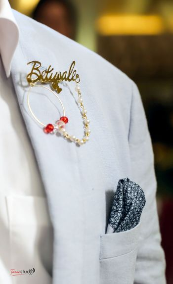 Betiwale badge as favours for guests