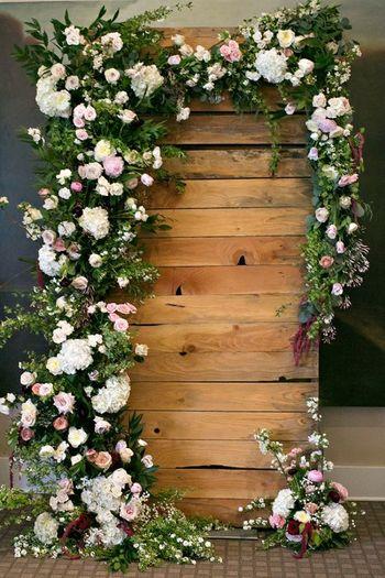 Rustic pretty photobooth for wedding