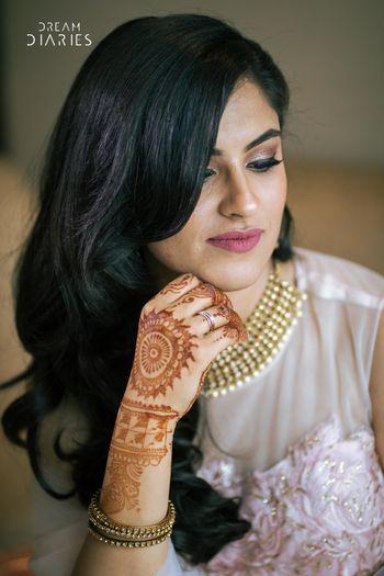 Engagement bridal look with simple mehendi