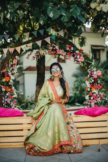 Floral wreath photoboooth for mehendi