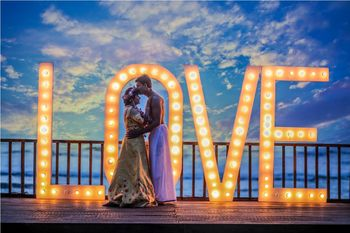 Destination wedding idea giant love prop