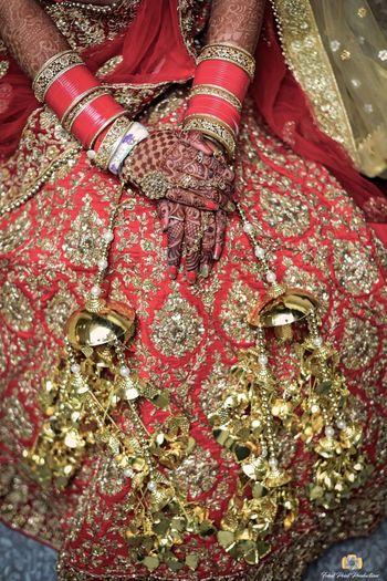 Close up shots of bridal hands and kaleere