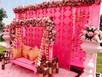 F loral swing for mehndi with tassels