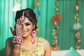 Mehendi jewellery with floral haathphoool