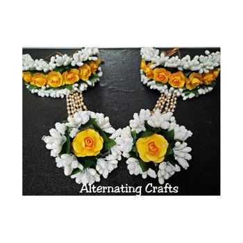 floral haathphool in white and yellow color