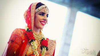 fuschia pink lipstick on bride