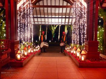 Red Themed Entrance Decor