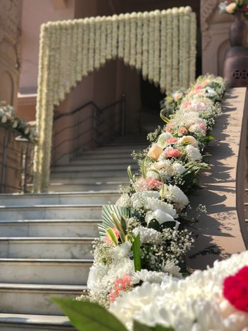 Photo of Floral decor for stairway
