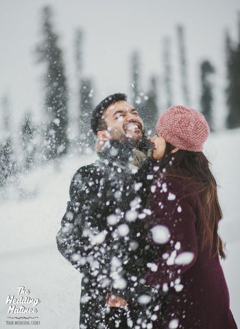 Snow pre wedding shoot idea