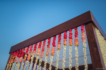 Hanging floral ombre strings