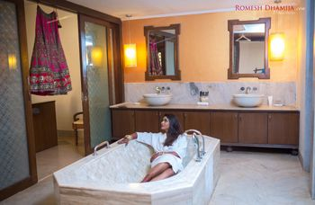 Photo of Bride inside bathtub