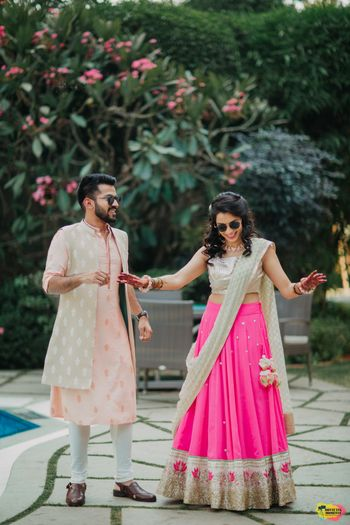 Simple mehendi lehenga in bright pink