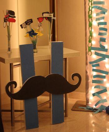Moustache Phototbooth Ideas