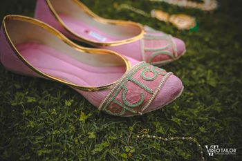 Pastel embroidered bridal juttis