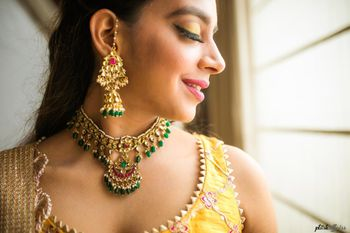 Mehndi jewellery with necklace and jhumkis