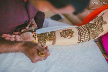 Bridal Hand Kalash Mehendi Design