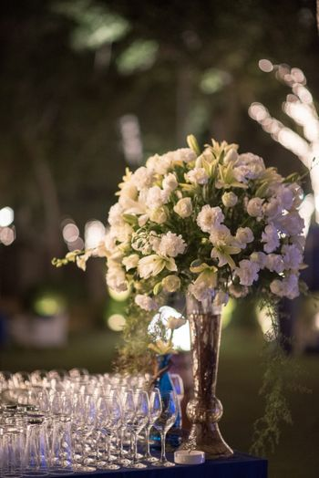 Photo of White Roses Vase Decor
