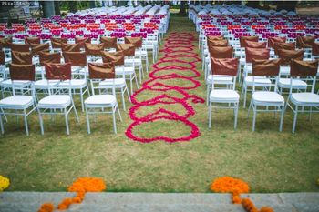 Heart Shaped Rose Petals Entrance Carpet