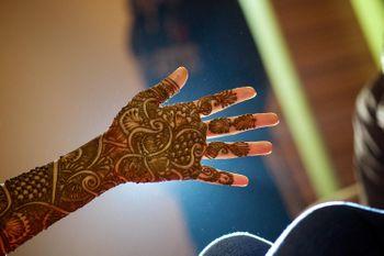 Bridal Hand Mehendi Floral Design