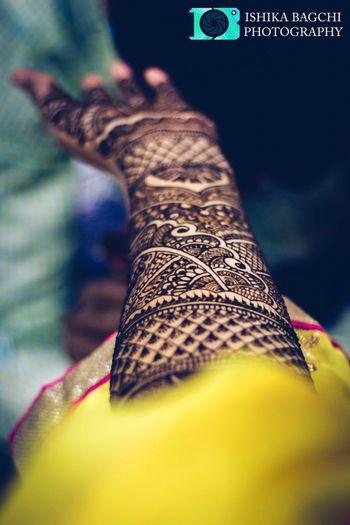Bridal Hand Mehendi Design Shot