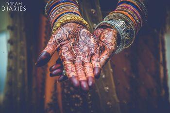 Bridal Hand Mehendi Designs with Bangles