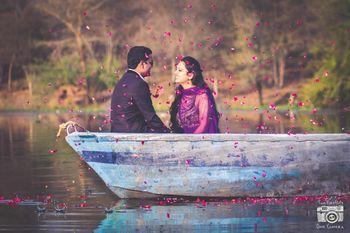 boat pre wedding shoot