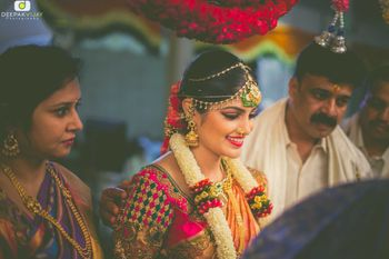 Photo of South Indian Bridal Portrait with Mathapatti