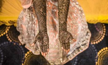 Full hand traditional mehndi design.