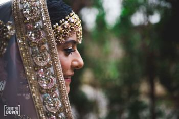 close up bridal shot with dupatta detailing