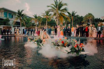 bridal entry idea on boat for a destination wedding
