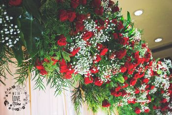 Photo of Red Roses Decor