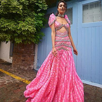 Modern Mehendi outfit idea for brides to be