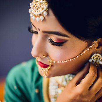 Stunning eye makeup for the bride