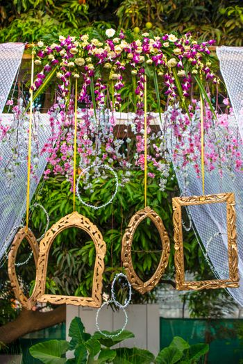 Photo Frames with Floral Decor for Photobooth