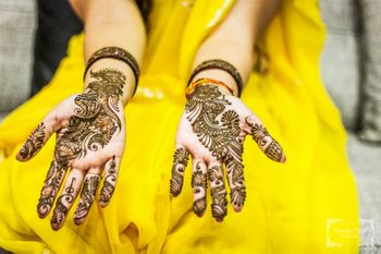 Bridal Hand Bel Mehendi Design